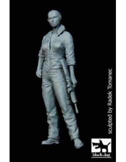 Israeli woman soldier N°2 (1 FIGURE) cat.n.: F35090, BLACK DOG, 1:35