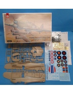 HAWKER HURRICANE MK.IIc TROP, BRITISH FIGHTER AIRCRAFT, FLY 32013, SCALE 1/32