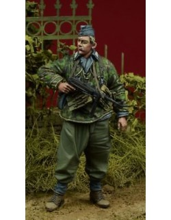 D-Day Miniature, 35083,1:35, 'Herman Goering' Division Soldier 1943-45