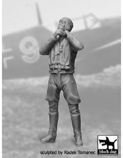 German Luftwaffe Pilot 1940-1945 N°3  cat.n.: F32040 , BLACK DOG, 1:32