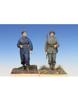 SWEDISH TANK CREWMAN&INFANTRY SOLDIER, WWII (2 figures), The Bodi, TB-35090,1:35