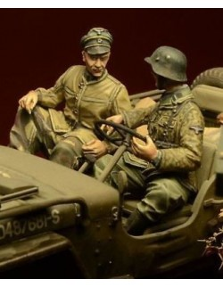 D-Day Miniature, 35030,1:35, Waffen SS Jeep Crew, Ardennes 1944 (2 figures)