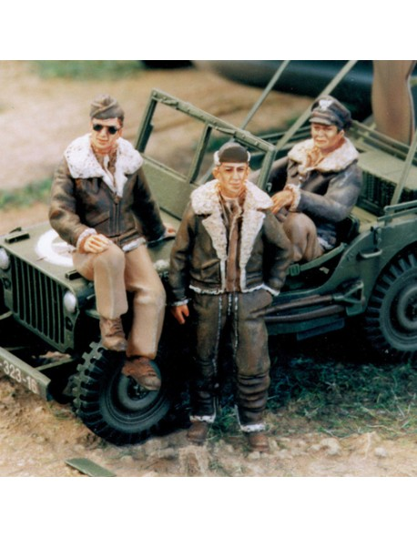 SOL RESIN FACTORY, MM104, SCALE 1/48, U.S. ARMY AIR FORCE PILOT WW II(3 FIGURES)