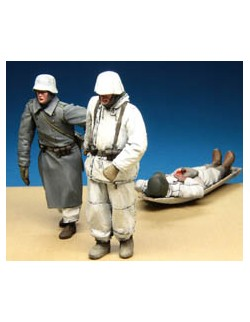 STALINGRAD , 1:35, Wounded Evacuation. German Infantrymen and boat-sled, S-3588
