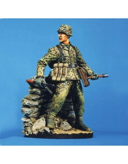 SOL RESIN FACTORY MM034, SCALE 120mm SS GRENADIER ARDENNES 1944(Base is Not Inc