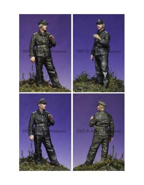 ALPINE MINIATURES  35045 WSS Panzer NCO #1 SCALE 1:35