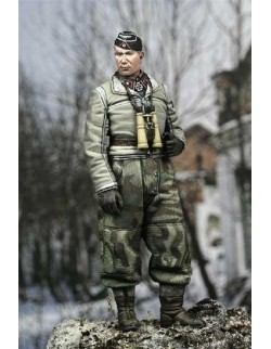 ALPINE MINIATURES 35036, Winter Panzer Officer, SCALE 1:35