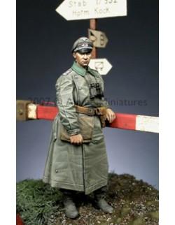 ALPINE MINIATURES 35054, WW2 German Officer  1, SCALE 1:35