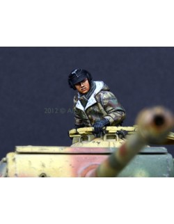 ALPINE MINIATURES 35130, German Panther Commander 1, SCALE 1:35