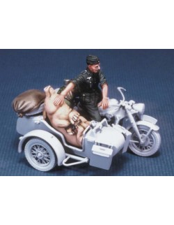 LEGEND PRODUCTION, LF0029, German motorcycle rider with a pig (WWⅡ),1:35
