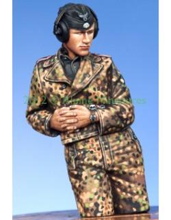 ALPINE MINIATURES 35140, WSS Panzer Commander 2, SCALE 1:35
