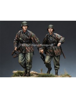 ,ALPINE MINIATURES 35168, WSS Infantry Set (2 Figures), SCALE 1:35