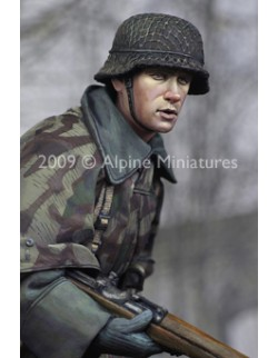 ALPINE MINIATURES 16007, A Young Grenadier (1 figure), SCALE 1:16