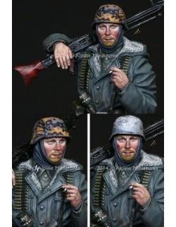 ALPINE MINIATURES 16023, WSS MG42 Gunner (1 figure), SCALE 1:16
