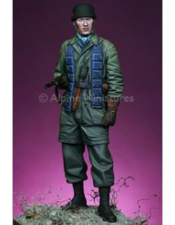 "ALPINE MINIATURES 16001,Panzer Officer ""Groþdeutschland"" (1 figure), SCALE 1:16"